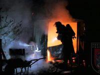 Brennt Gartenhütte