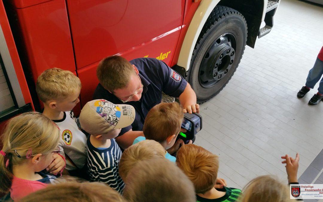 Mit dem Ferienpass die Feuerwehr besucht