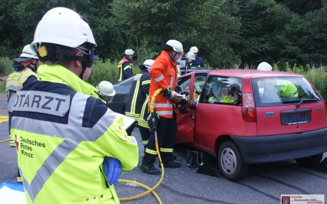 Gemeinsame Übung des Rettungsdienstes und der Feuerwehr