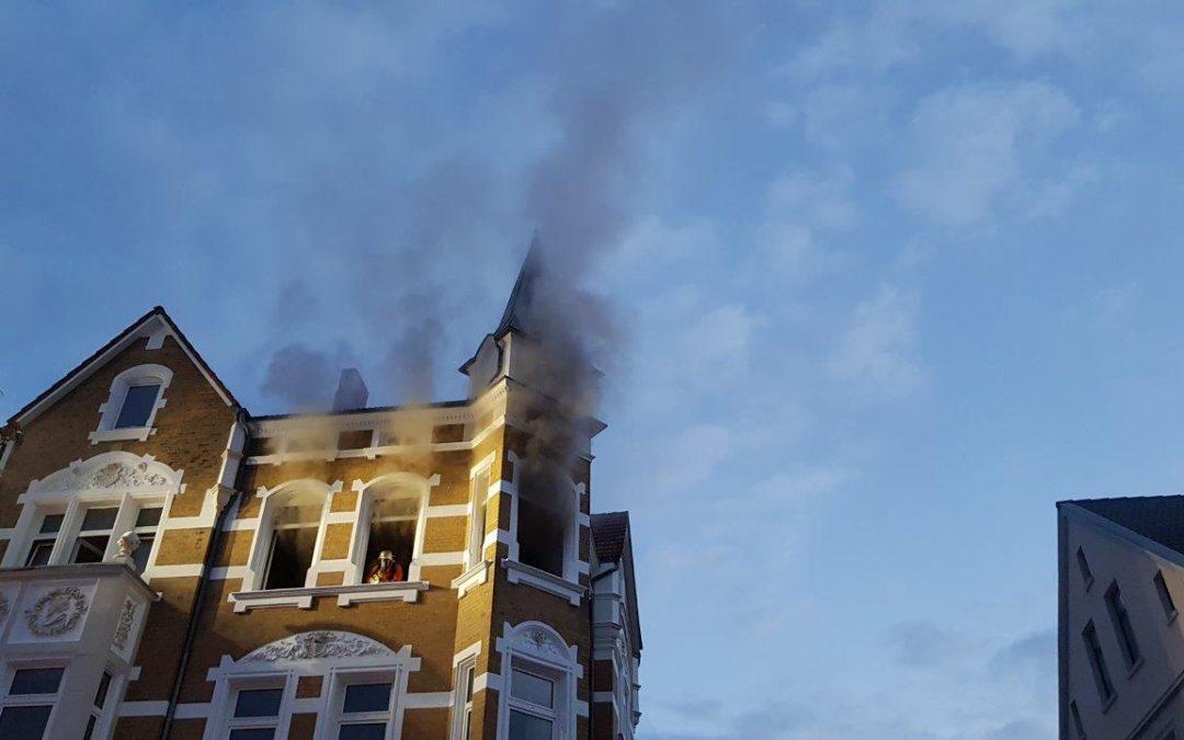 Wohnungsbrand – 3 Personen gerettet