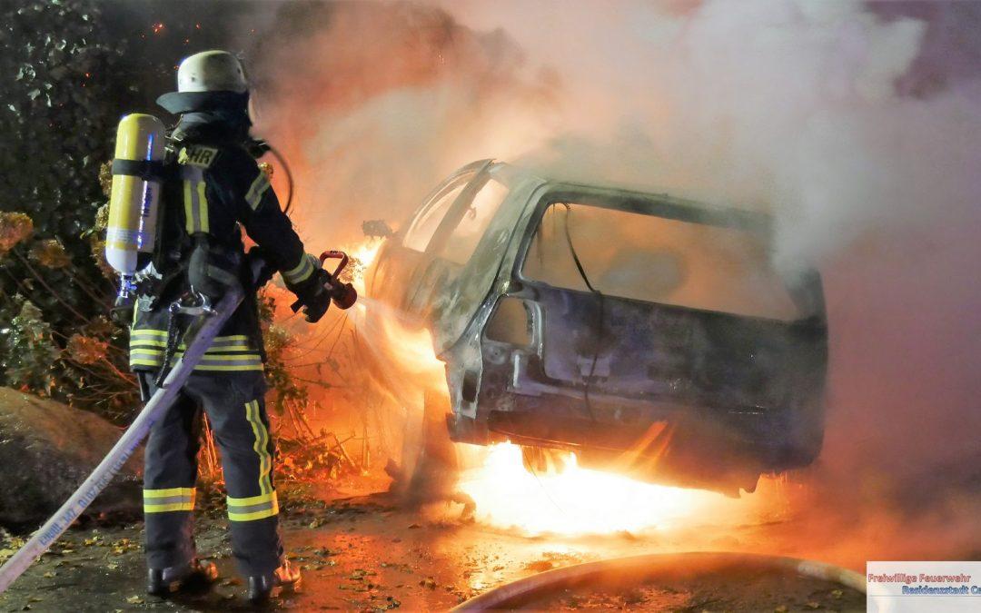 Verkehrsunfall – PKW in Vollbrand