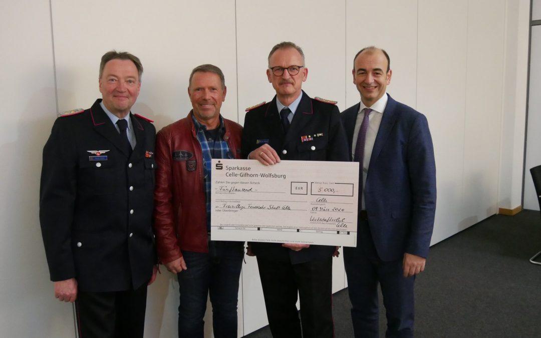Wirtschaftsclub Celle spendet 5.000,00 Euro für die Stadtfeuerwehr Celle