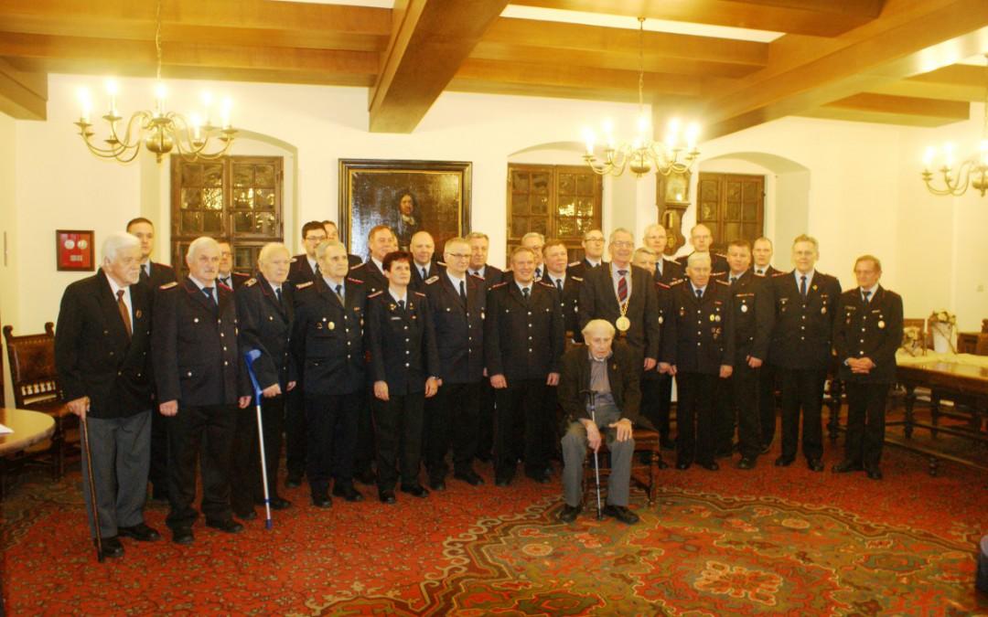 Ehrung verdienter Feuerwehrmitglieder durch die Stadt Celle