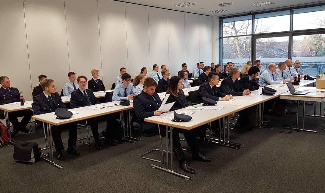 Auf geht's – 36 neue Feuerwehrleute starten ihre Ausbildung!