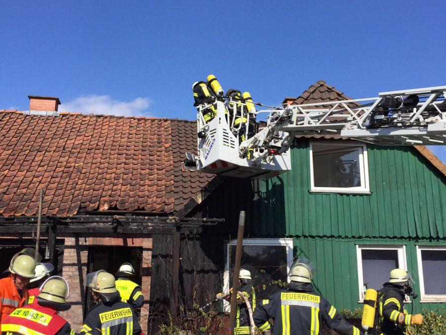 Brennt Gebäudeanbau