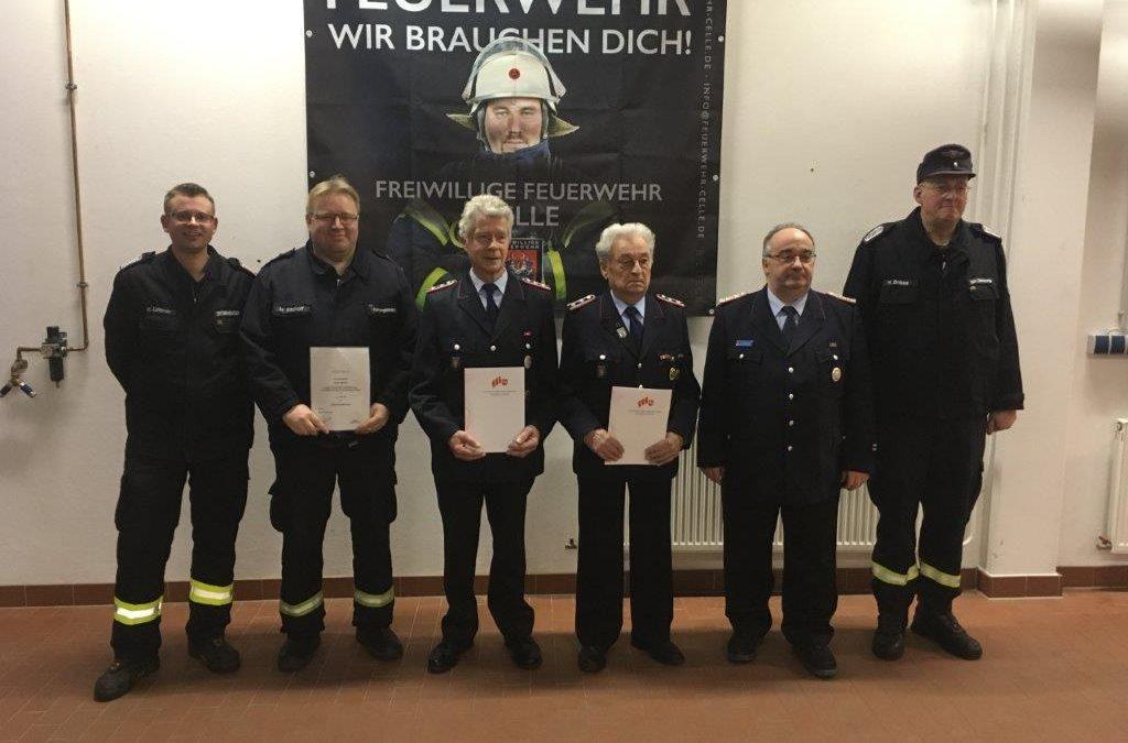 Ehrungen und Beförderungen bei der Feuerwehr Hustedt