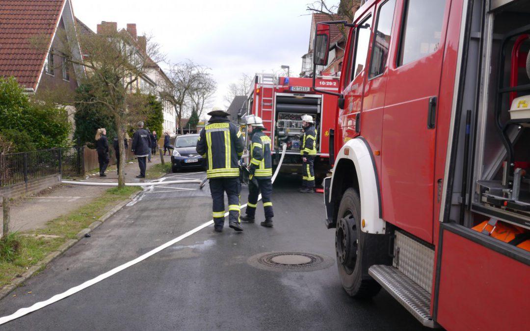 Brennt Nebengebäude