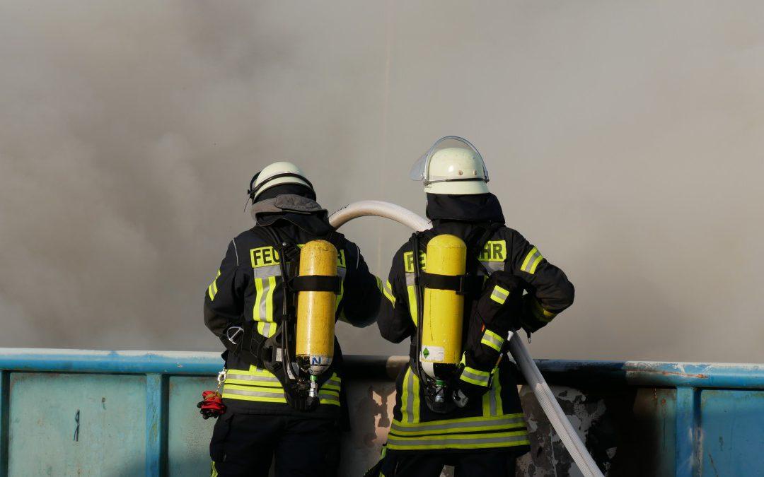 Containerbrand auf Abfallentsorgungsanlage