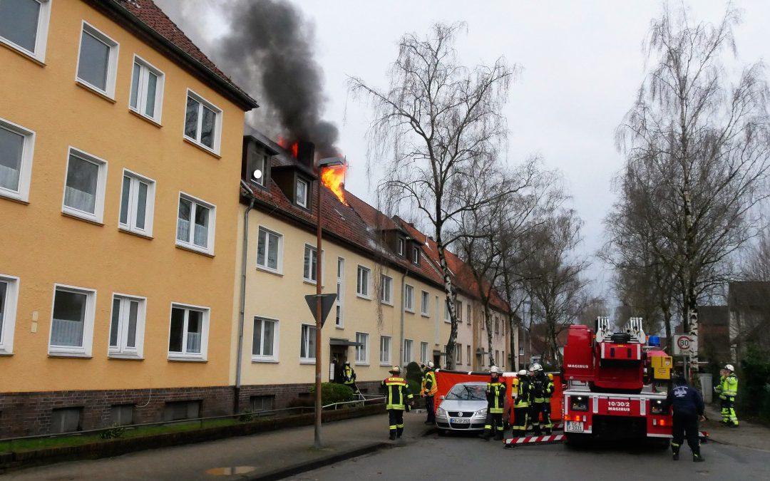 Dachstuhlbrand – Menschenleben in Gefahr! *Video*