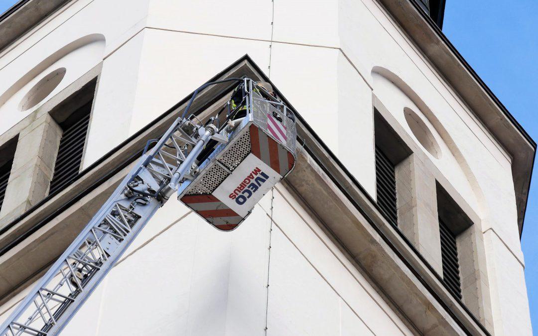 Fortbildung zum Thema Hubrettungsfahrzeuge in der Altstadt