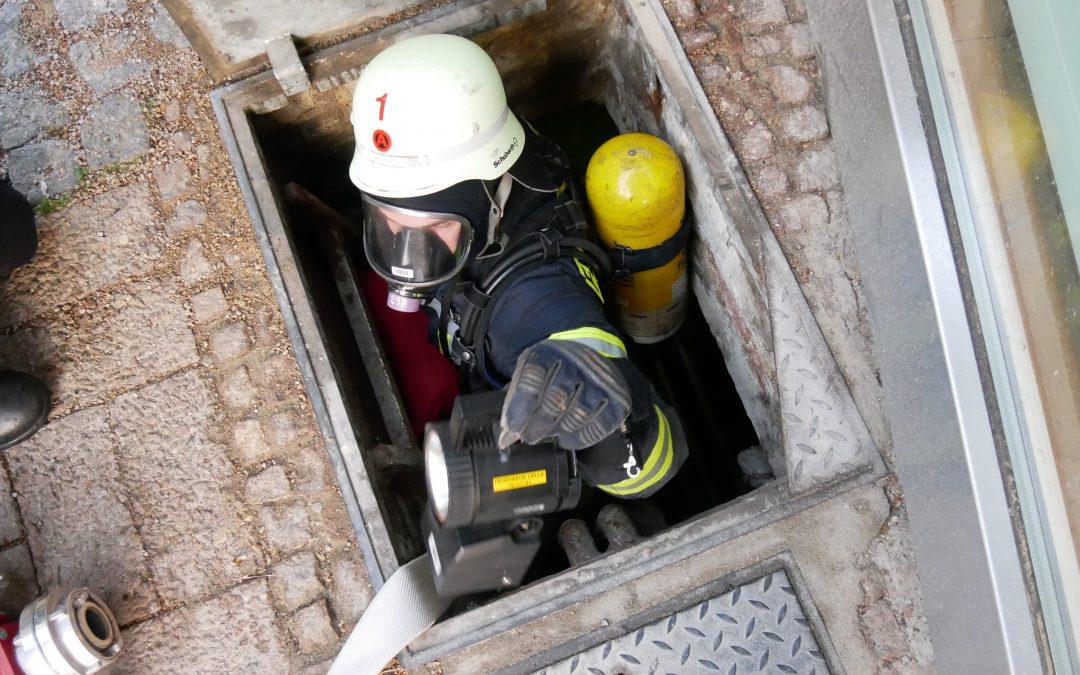 Celler Feuerwehr übt bei Karstadt!